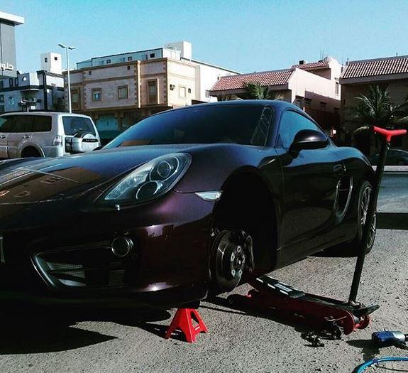 خدمة تصليح السيارات